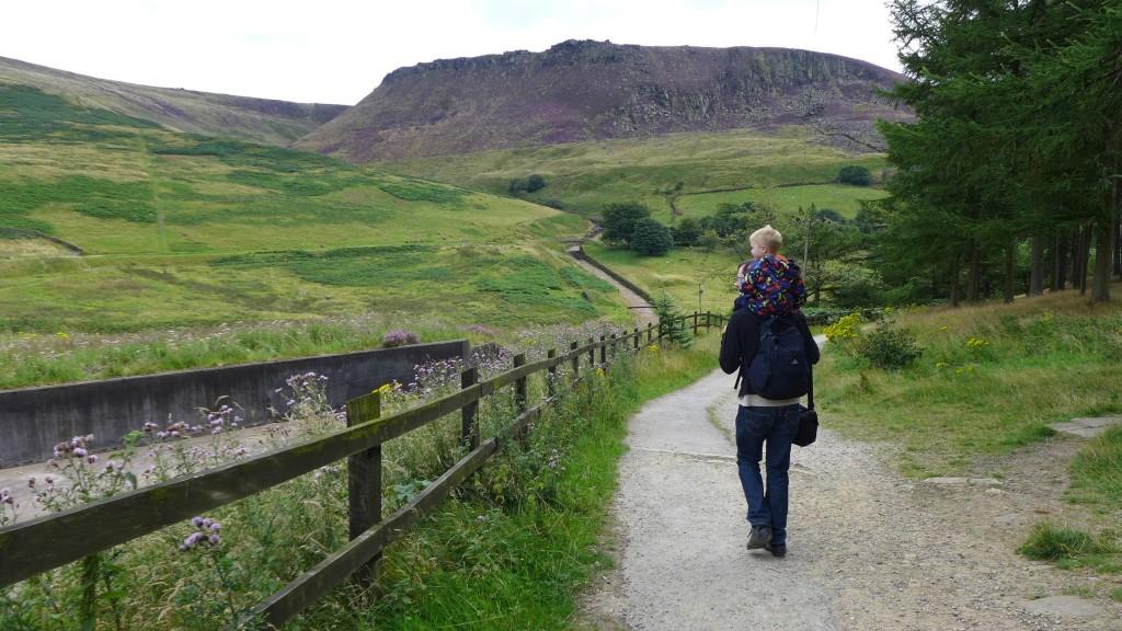 dove stone reservoir walks