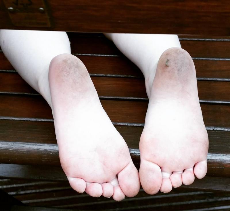 mucky feet